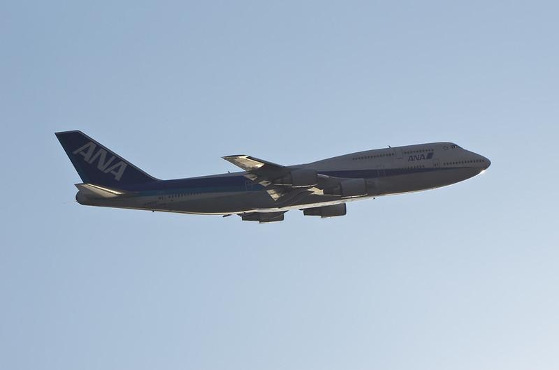 ANA's B747-400D