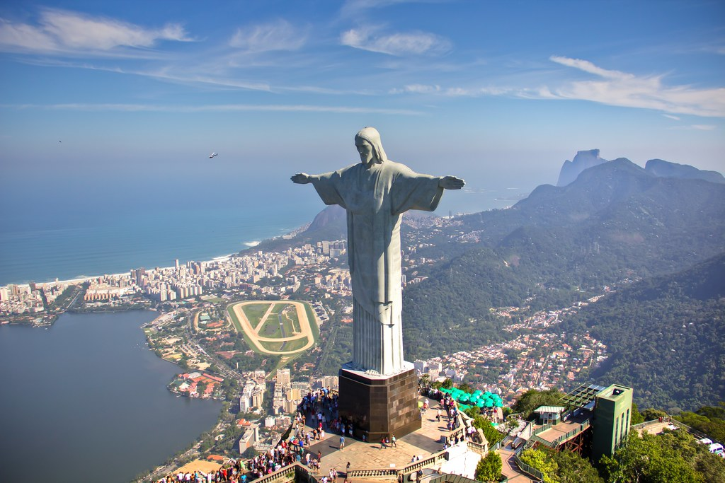 essay on rio de janeiro The origins of rios favelas and early activism the history of the favelas of rio de janeiro begins in the final years of the nineteenth century as brazil transitioned from an empire to a republic.