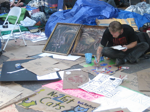 Occupy Wall Street: Making signs