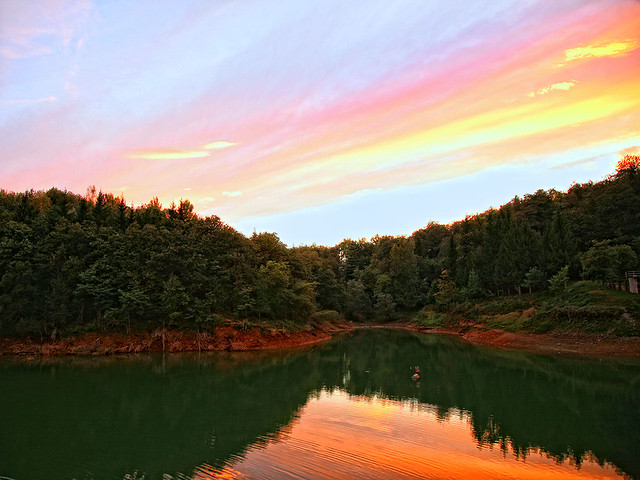 Sunset on Pianfei lake