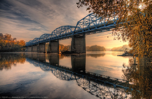 bridge usa tree water clouds sunrise reflections river landscape virginia nikon fallcolor fallcolors potomacriver loudouncounty tomlussier tpslandscape