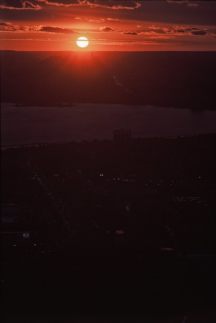 Saugahenge, 18:25 (in Kodachrome 64)