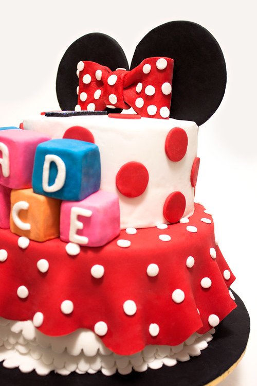Flaming Pot 2 Tiers Minnie Mouse Cake and Mickey Mouse mini Cupcakes