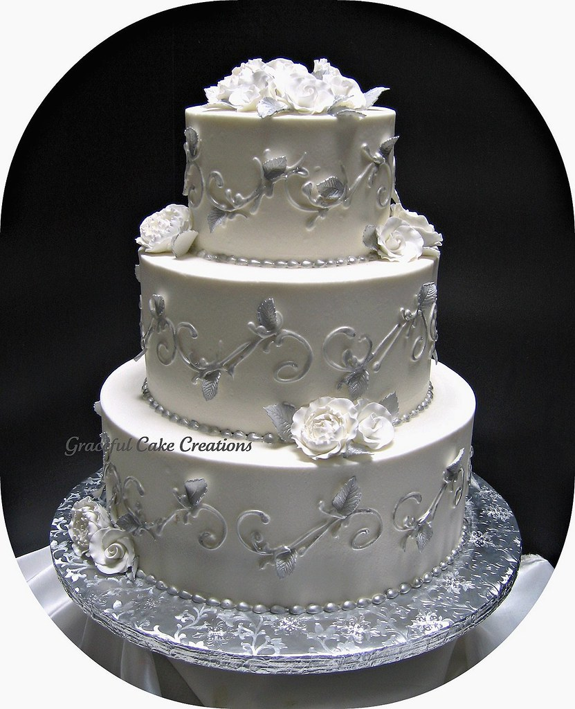elegant white and silver wedding cakes silver and white wedding cake a photo on flickriver 13999