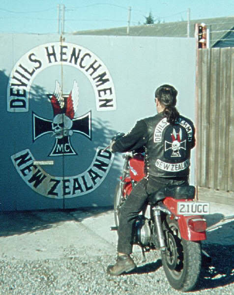 1% Motorcycle Club Patches http://www.flickr.com/photos/68410690@N07/6223069105/