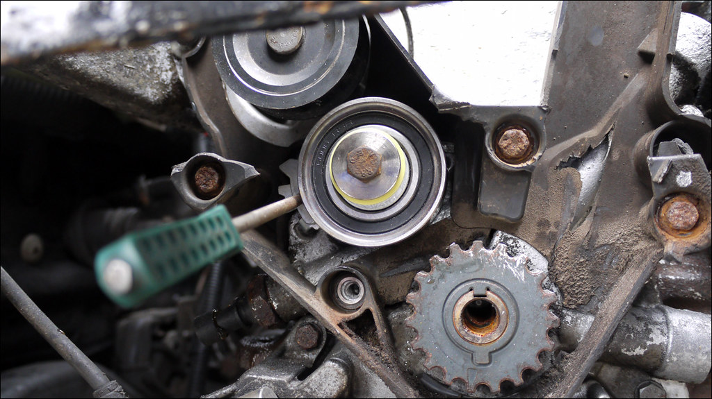 Tension Pulley Wont Move : Merit help  vauxhall astra mk