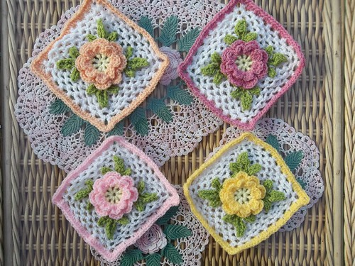 'Irish Rose' based on a free pattern by Priscilla Hewitt. So pretty!