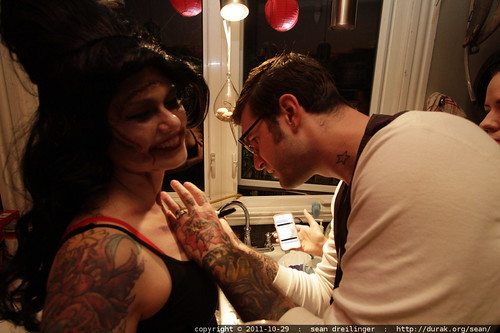 undead amy winehouse gets a fake a breast pocket tattoo from a real tattoo artist    MG 6598