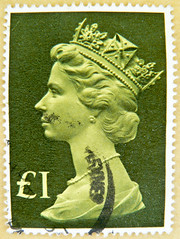 stamp GB £ 1 UK Machin postage one 1 pound Great Britain stamps United Kingdom UK portrait Queen Elizabeth green timbres Machin sello selos Briefmarken England Großbritannien