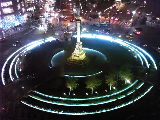 nice view from robert – columbus circle at night