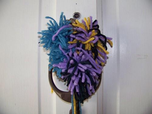 Q5's pompom wreath
