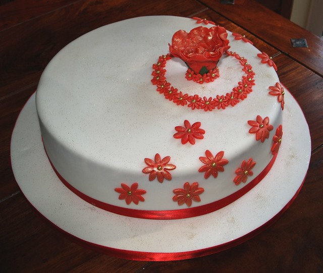 red and gold wedding cake 6208667873 796de2175b z jpg 19076
