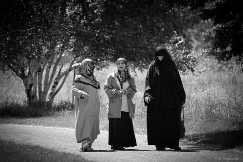 Three muslim women