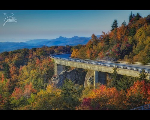 road bridge autumn fall sunrise parkway f11 hdr blueridgeparkway grandfathermountain 24105 brp ef24105mmf4lisusm linncoveviaduct canoneos5dmarkii