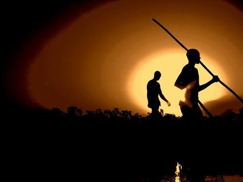 africa sunset men water silhouette niger river boat riverbed mali mopti boatmen timbuctu artistoftheyearlevel2