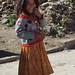 Smiling girl - Muchacha risueña; Santiago Juxtlahuaca, Oaxaca, Mexico por Lon&Queta