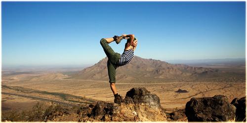 arizona panorama woman usa yoga pose outdoors athletic scenery pentax horizon lifestyle peak sunny bluesky panoramic stretch balance hiker meditation i10 picachopeak flexibility equilibrium backbend flexible pinalcounty k10d newmanpeak huntertrail basicscorpion maryadrenaline