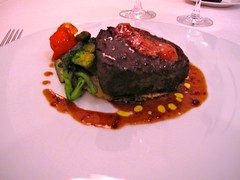 Solomillo braseado con verduritas y láminas de foie - Restaurante Goizeko Kabi'ar - Madrid