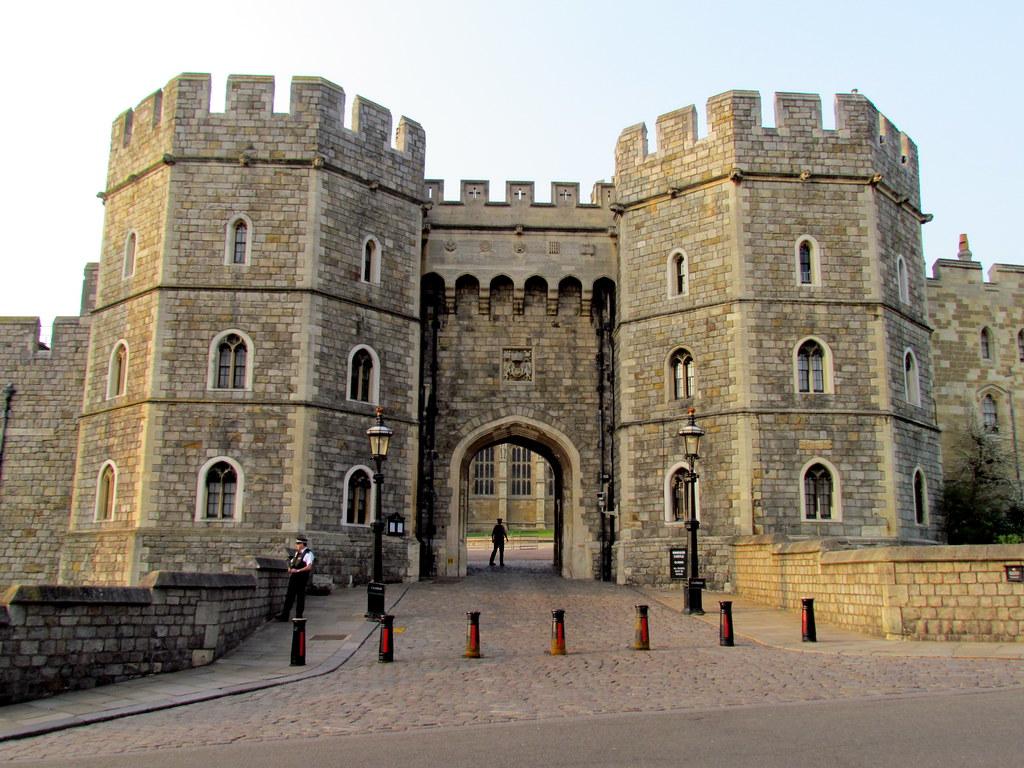 Henry VIII Gateway - Lower Ward, Windsor Castle - a photo on ...