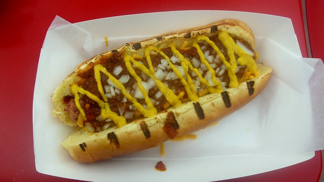 chili cheese dog at ringside franks