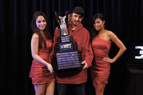 5641 Anthony Ruberto and Royal Flush Girls