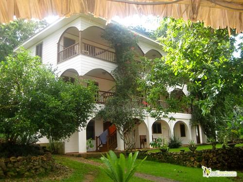 bay islands hotels
