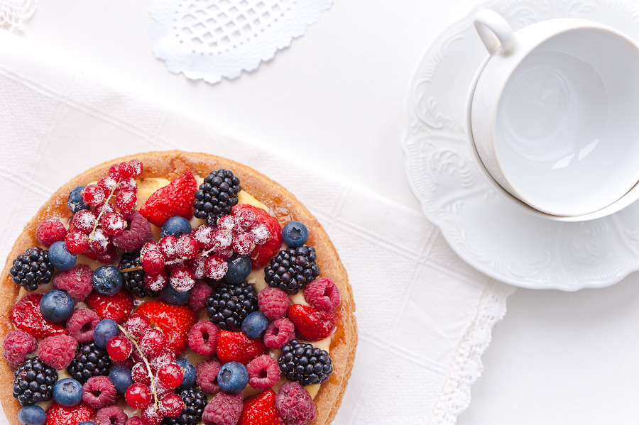 fresh berries tart