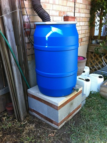 how to build a rain barrel platform
