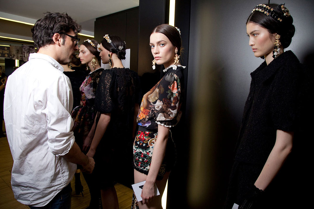 Dolce+Gabbana+Fall+2012+Backstage+LqAZjfXML6xx