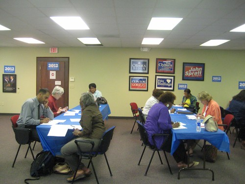032912 WomenforObama_phonebank7