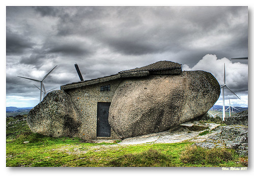 Rock house #4 by VRfoto