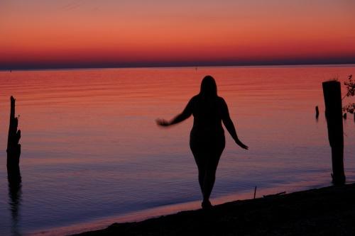 lake ontario canada beach silhouette night dawn sony hamilton thanksgivingweekend lakeontario figurestudy dscr1