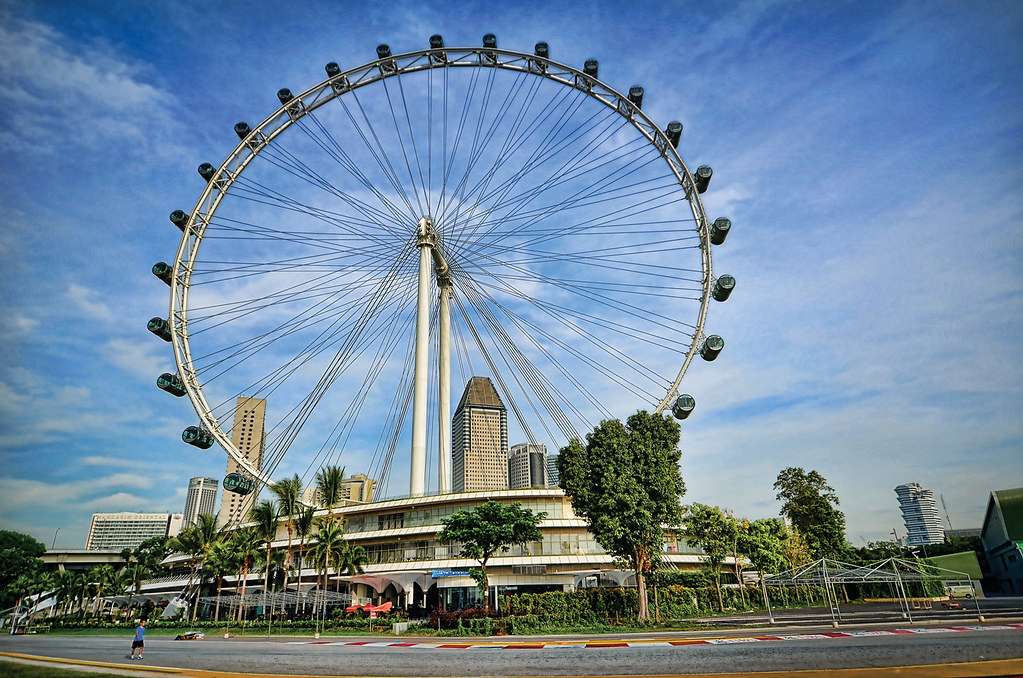Singapore Flyer -a an update Nov 2011