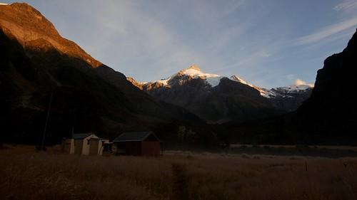 newzealand mountains landscape huts sunrisesunset mtaspiringnationalpark teararoa thelongpathway