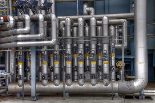 DEVELOPMENT OF AN AMMONIA-BURNING GAS TURBINE ENGINE