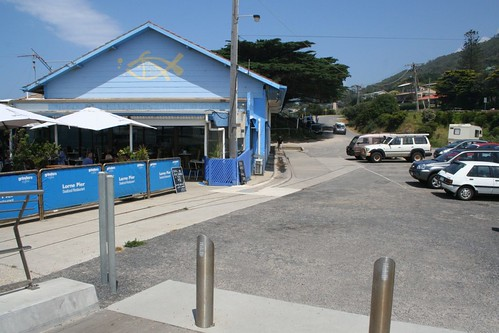 Fish shop at the Lorne pier