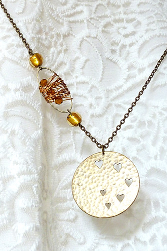 "Collar ""Golden hearts"" 001"