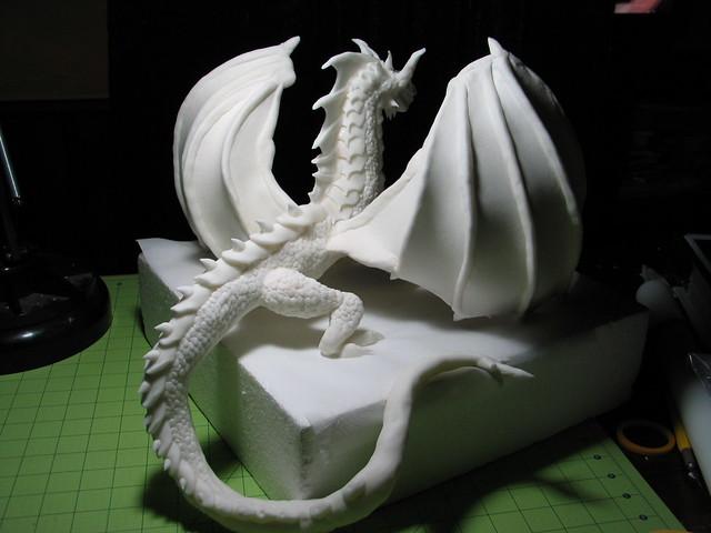 fondant dragon sculpture