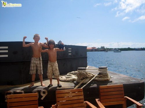 Kids on Barge Utila Honduras