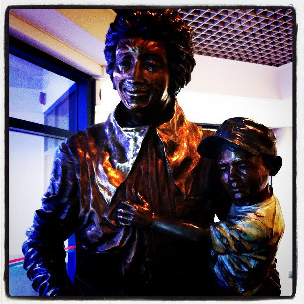 20 Jan - Do  you know there's a bronze Ronald McDonald in KK Hospital?