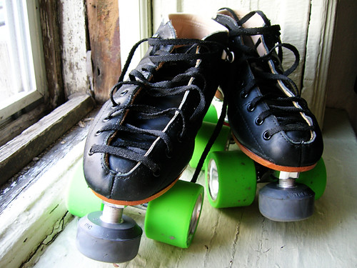 "riedell ""torch"" skates with reactor plate and juke 97s"