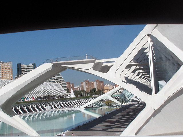 Beautiful modern architecture of valencia spain 10 for Beautiful modern buildings