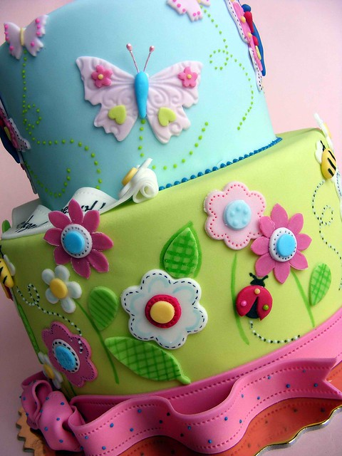 Cake Decorated With Flowers And Butterflies : 6219954422_23c391e526_z.jpg