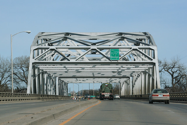 Entering Minnesota on the Kennedy Bridge