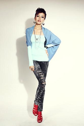 Fashionable &Beautiful Bat-sleeve Knitted Short Coat1