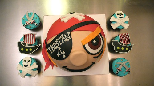 Pirate Cake and cupcakes by CAKE Amsterdam - Cakes by ZOBOT