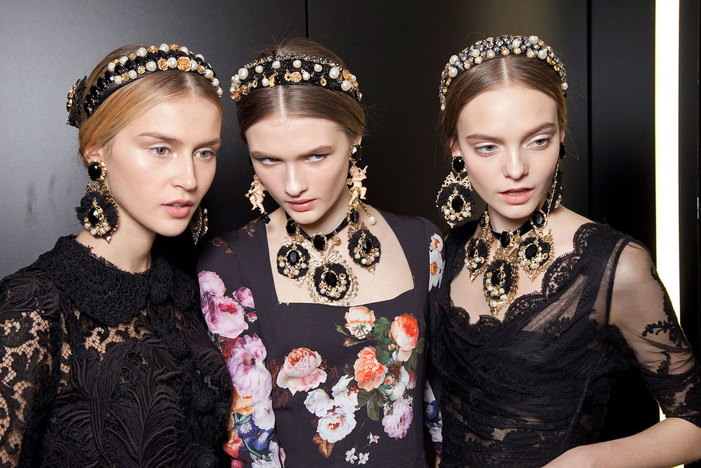 Dolce+Gabbana+Fall+2012+Backstage+M_a1WVG3fy-x