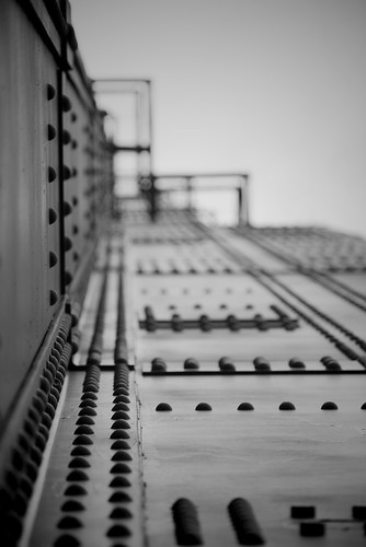 Black & White Bridge 2