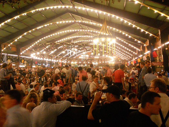 Flickr Oktoberfest / Wiesn JasonParis CC BY 2.0 Bestimmte Rechte vorbehalten
