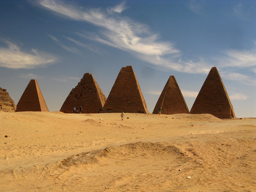 Row of Nubian/Kushite pyramids near Jebel Barkal, Sudan | by retrotraveller
